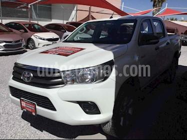 Toyota Hilux 4p Doble Cabina SR L4/2.7 Man usado (2017) color Blanco precio $320,000