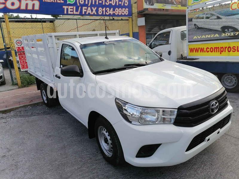 Toyota Hilux Chasis Cabina usado (2016) color Blanco precio $209,000
