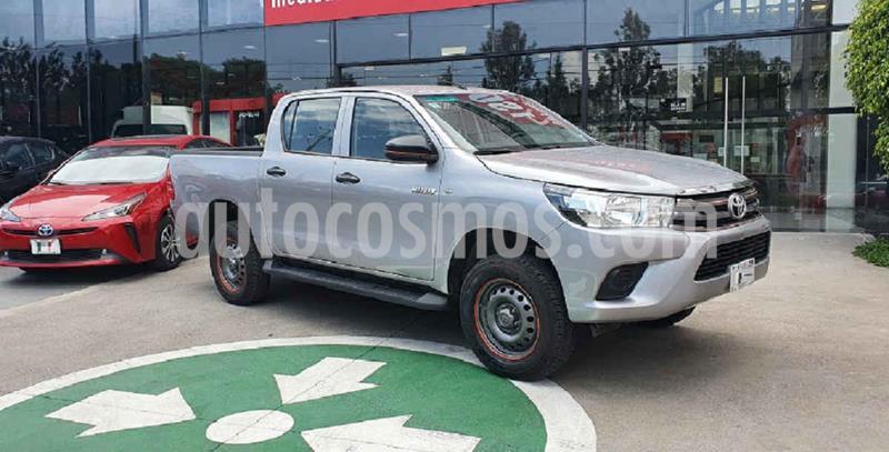 Toyota Hilux Cabina Doble Base usado (2019) color Plata precio $344,000