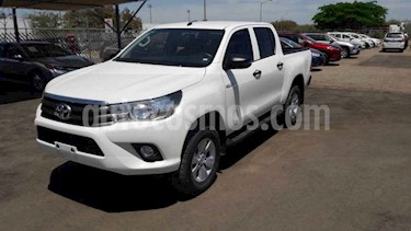 Toyota Hilux 4p Doble Cabina SR L4/2.7 Man usado (2019) color Blanco precio $354,000