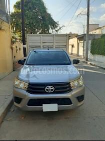 Toyota Hilux Chasis Cabina usado (2016) color Plata precio $239,000