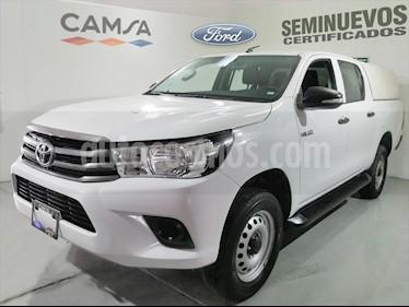 Toyota Hilux CABINA DOBLE SR (MID) usado (2016) color Blanco precio $279,900