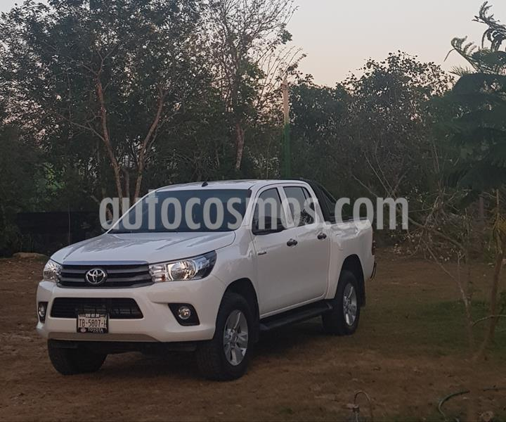 Toyota Hilux Cabina Doble SR usado (2019) color Blanco precio $365,000