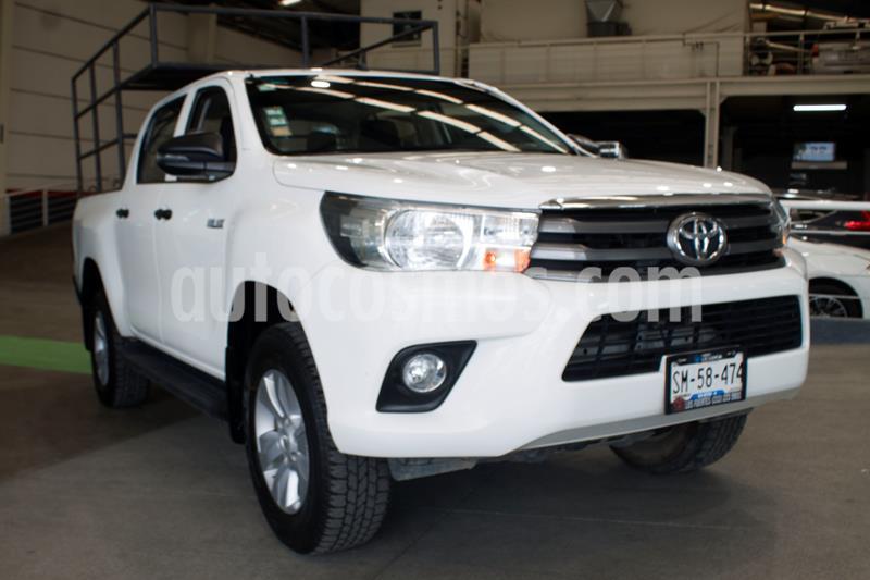 Toyota Hilux Cabina Doble SR usado (2019) color Blanco precio $339,000