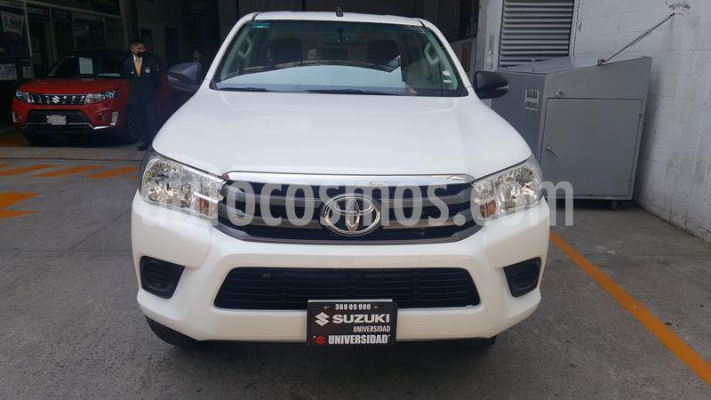 Toyota Hilux Cabina Doble Base usado (2018) color Blanco precio $274,000