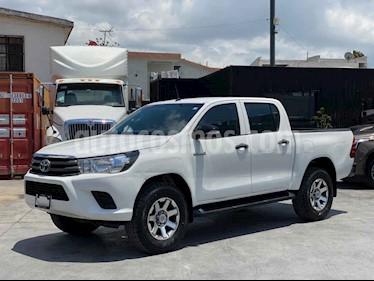 Toyota Hilux Cabina Doble Base usado (2016) color Blanco precio $278,800