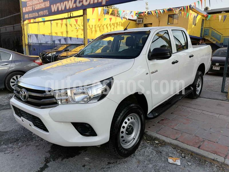 Toyota Hilux Cabina Doble Base usado (2019) color Blanco precio $269,000