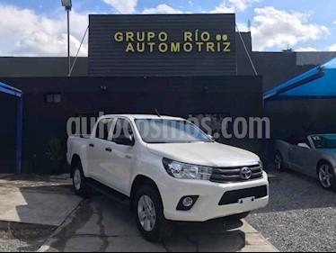 Toyota Hilux Cabina Doble Base usado (2019) color Blanco precio $359,000