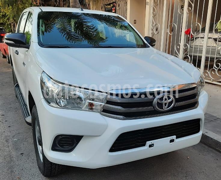 Toyota Hilux Cabina Doble Base usado (2016) color Blanco precio $253,900
