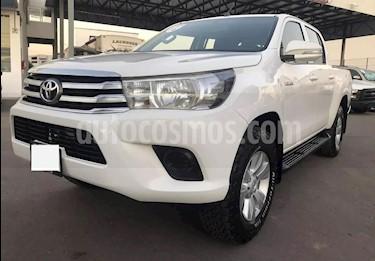 Toyota Hilux Cabina Doble Base usado (2017) color Blanco precio $175,000