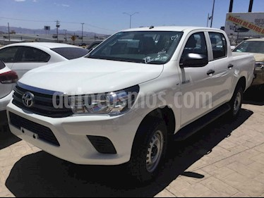 Toyota Hilux 4p Doble Cabina Base L4/2.7 Man usado (2018) color Blanco precio $335,000