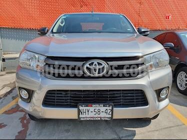 foto Toyota Hilux Cabina Doble usado (2019) color Gris Plata  precio $339,000