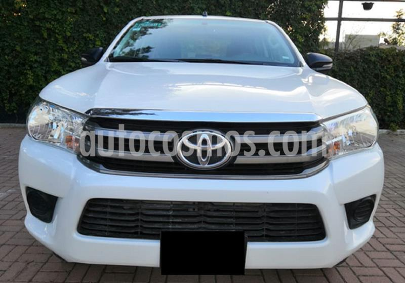 Toyota Hilux Cabina Doble SR usado (2018) color Blanco precio $250,000