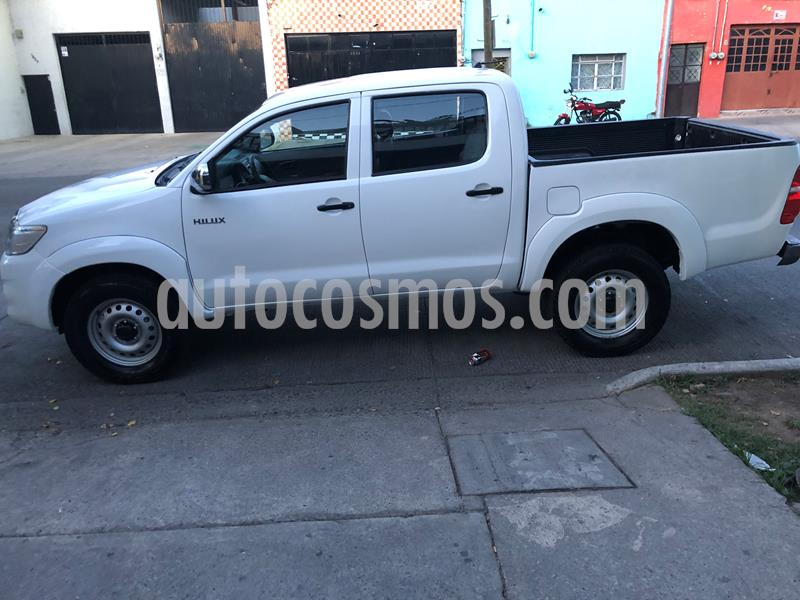 Toyota Hilux Cabina Doble usado (2015) color Blanco precio $215,000