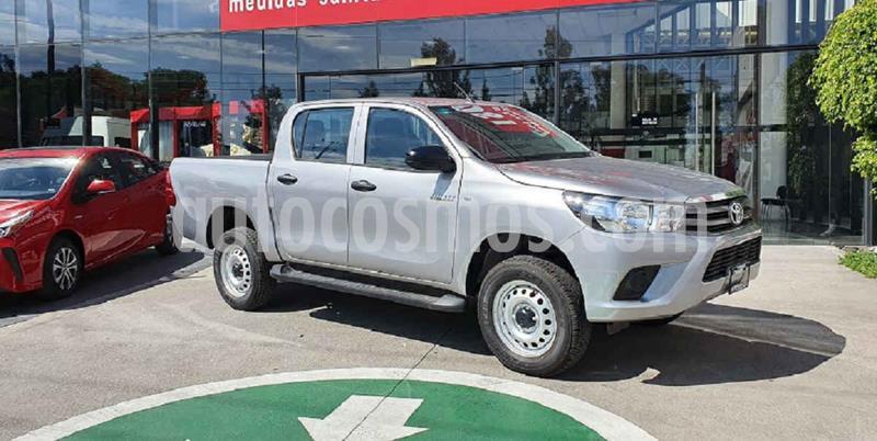 Toyota Hilux Cabina Doble Base usado (2020) color Plata precio $376,000