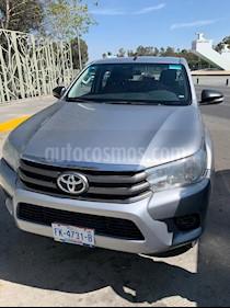 Toyota Hilux Cabina Doble SR usado (2016) color Plata precio $235,000
