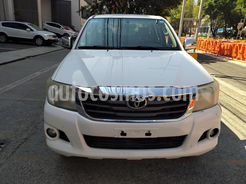 Toyota Hilux Cabina Doble SR usado (2014) color Blanco precio $226,000
