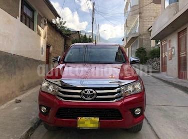 Toyota Hilux 4x4 C-S Diesel usado (2017) color Rojo precio $16,500