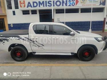 Toyota Hilux 4x4 C-S Diesel usado (2017) color Blanco precio $8,000
