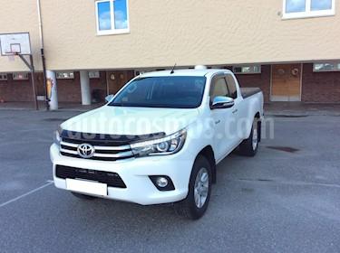 Toyota Hilux 4x4 C-D XL Diesel usado (2016) color Blanco precio u$s9,800