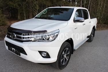 Toyota Hilux 3.0L TD 4x4 CD SRV Aut usado (2017) color Blanco precio $8,000