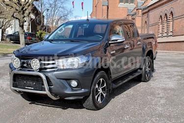 Toyota Hilux 2.5L TD 4x4 C-D usado (2017) color Gris precio u$s8,800