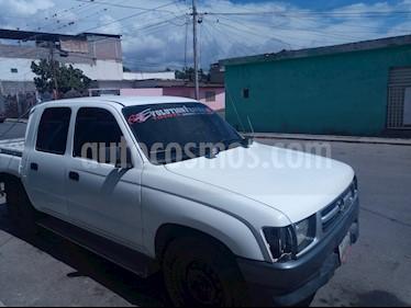 Foto Toyota Hilux Doble Cab. Hi Rider 4x2 L4,2.4,8v S 1 3 usado (2001) color Blanco precio u$s40.000