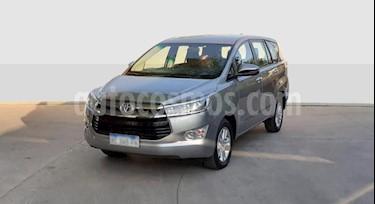 Foto Toyota Innova SRV 2.7 Aut 8 Pas usado (2018) color Gris Claro precio $1.250.000