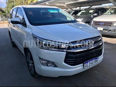 Toyota Innova SRV 2.7 Aut 8 Pas usado (2017) color Blanco precio $1.915.000
