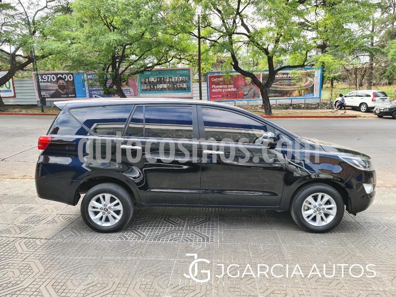 Toyota Innova SRV 2.7 Aut 8 Pas usado (2018) color Negro precio $2.850.000