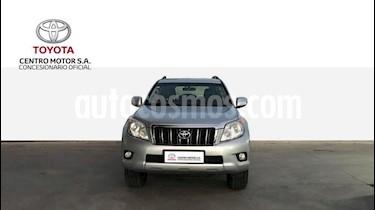 Foto venta Auto usado Toyota Land Cruiser Prado TXL Aut (2012) color Gris Claro precio $950.000
