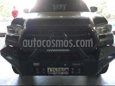 Foto venta carro usado Toyota Pick-Up LX 4x4 (2015) color Gris precio u$s35.000