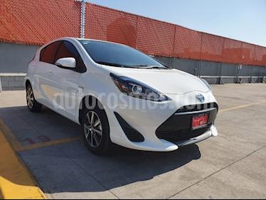Toyota Prius C 1.5L usado (2019) color Blanco precio $299,000