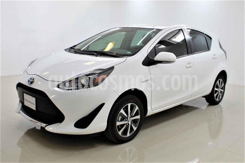 Toyota Prius C 1.5L usado (2020) color Blanco precio $305,000