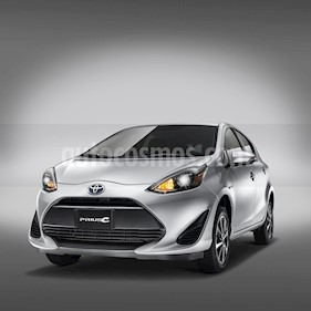 Toyota Prius C 1.5L nuevo color Naranja Metalico precio $332,800