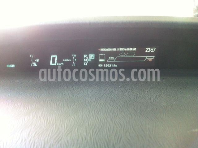 Toyota Prius BASE usado (2015) color Plata Dorado precio $180,000