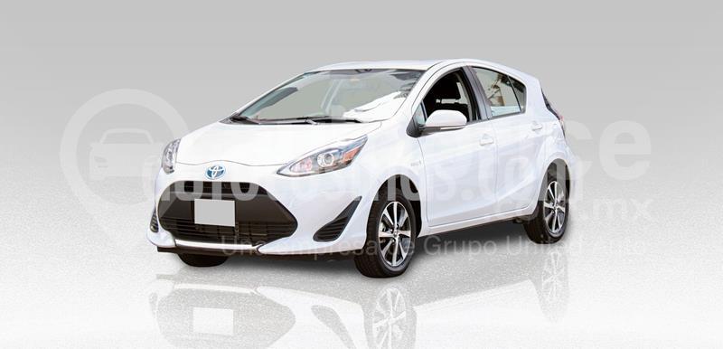 Toyota Prius Premium usado (2020) color Blanco precio $320,000