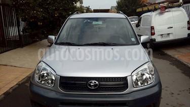 Toyota Rav4 2.0 Lujo 4X4  usado (2006) color Plata precio $4.200.000