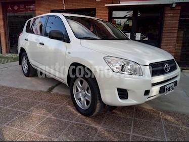 Foto venta Auto usado Toyota RAV4 2.4L 4x2 Aut (2012) color Blanco precio $111.111