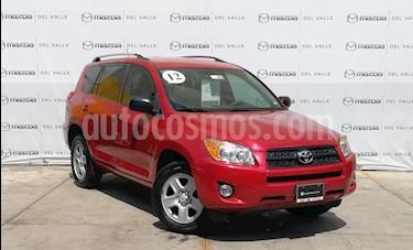 foto Toyota RAV4 2.4L Base 3a. fila de asientos usado (2012) color Rojo precio $170,000
