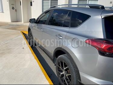 Toyota RAV4 2.4L Limited 4WD usado (2017) color Gris Plata  precio $350,000