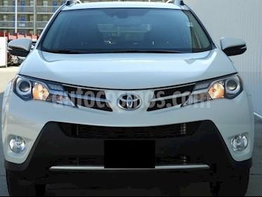 Foto venta Auto Seminuevo Toyota RAV4 2.4L Limited (2015) color Blanco precio $196,900