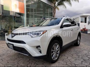 Foto Toyota RAV4 2.4L Limited usado (2016) color Blanco precio $355,000