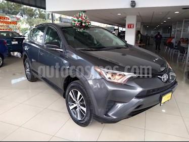 Toyota RAV4 5P LE L4 TA RA-17 usado (2017) color Plata precio $289,000