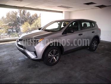 Foto venta Auto usado Toyota RAV4 5p LE L4/2.5 Aut (2017) color Plata precio $299,000