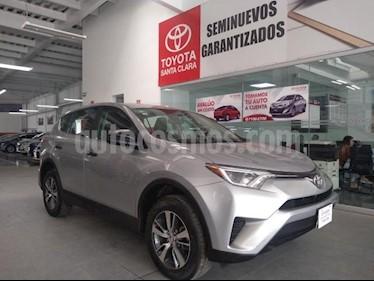 Foto venta Auto usado Toyota RAV4 5p LE L4/2.5 Aut (2018) color Plata precio $350,000