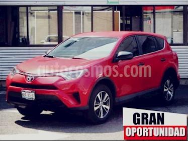 Foto venta Auto usado Toyota RAV4 5p LE L4/2.5 Aut (2017) color Rojo precio $328,000