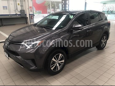 Foto venta Auto usado Toyota RAV4 5p XLE L4/2.5 Aut (2017) color Gris precio $329,000