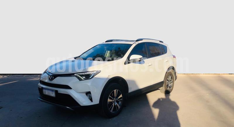 Toyota RAV4 HV 2.5 XLE 4x2 Hibrida usado (2017) color Blanco precio $3.350.000