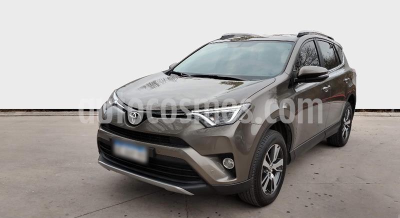 Toyota RAV4 HV 2.5 XLE 4x2 Hibrida usado (2018) color Beige precio $3.550.000